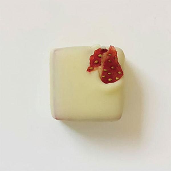 写真:ボンボンショコラ:苺ミルク