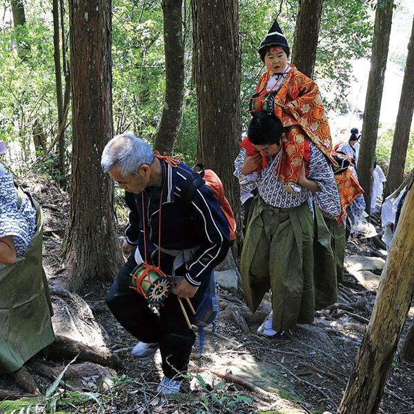 写真:熊野本宮大社 湯登神事