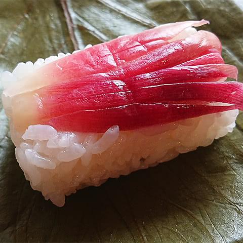 写真:柿の葉寿司 みょうが