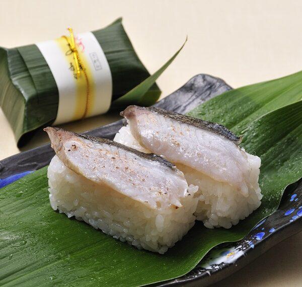 写真:紀州あせ葉寿司(さわら)