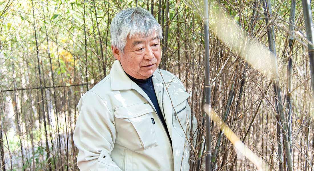 写真:艶めく漆黒の「黒竹」を守る継承者として