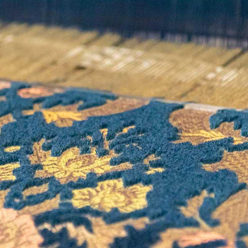 写真:高野山麓の伝統生地と、新たな感性が織りなすファブリック